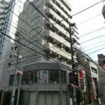 JR高円寺駅徒歩2分 人通りの多い道路に面した1階店舗